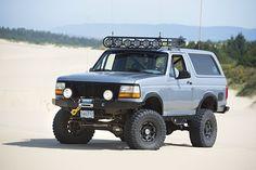 Jon Barricklow's Cummins-powered Ford Bronco XL - Four Wheeler Bronco Concept, Jeep Concept, Ford 4x4, Ford Trucks, Moab Jeep, 1995 Ford Bronco, Easter Jeep Safari, Bronco Truck, Rc Drift Cars