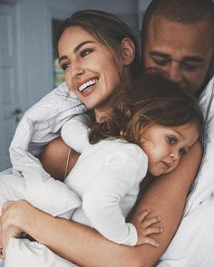 Happy moments by Mathilde Jensen via Baby Family, Family Love, Family Kids, Young Family, Beautiful Family, Family Theme, Beautiful Wife, Friends Family, Family Goals