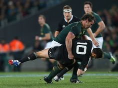 A red card against Springbok hooker Bismarck du Plessis in a weekend rugby test between South Africa and New Zealand has been removed from his record. Best Rugby Player, Rugby Players, Argentina Rugby, New Zealand Cruises, South African Rugby, Watch Rugby, Dan Carter, Rugby Championship, Miss Match