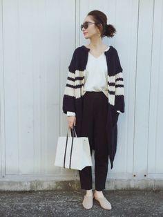 ROPE' PICNICのニット・セーター「ミラノリブVネックプルオーバー」を使ったTOMOKA のコーディネートです。WEARはモデル・俳優・ショップスタッフなどの着こなしをチェックできるファッションコーディネートサイトです。 Fashion Pants, Look Fashion, Fashion Beauty, Womens Fashion, Oversized Cardigan, Knit Cardigan, Gamine Style, Rope Picnic, Winter Wardrobe