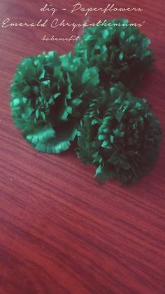 ✧☽ diy - Paperflowers 'Emerald Chrysanthemums' ☾✧ #Bohemefit #diy Chrysanthemums, Emerald, Flora, Diy, Decor, Bricolage, Decorating, Handyman Projects, Dekoration