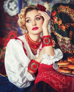 Folk Fashion, Floral Fashion, Ethnic Fashion, Cute Fashion, Fashion Photo, Native Fashion, Russian Traditional Dress, Russian Style, Imperial Fashion