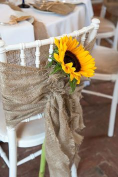 Com a ajuda da natureza e muita criatividade, realizar uma cerimônia de casamento ao ar livre pode reservar gratas surpre...