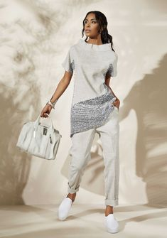 Oblique.ru - итальянская женская дизайнерская одежда и аксессуары для повседневной жизни. South African Traditional Dresses, Dubai Fashion, Italy Fashion, Fashion Outfits, Womens Fashion, Fashion Trends, Fashion Design, Looks Jeans, Stylish Work Outfits