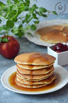 Pyszny przepis na pancakes, czyli naleśniki amerykańskie w formie puszystych placuszków polanych syropem klonowym. Pychotka! Polecam gorąco! Granola, Sweet Recipes, Food To Make, Pancakes, Tasty, Favorite Recipes, Sweets, Lunch, Snacks