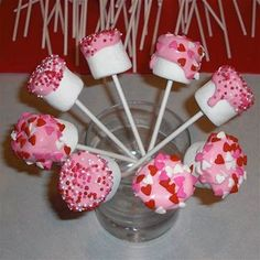 Totally cute Marshallow Pops for kids as a   Valentines day treat! Easy to make! Would make a great treat for   school!