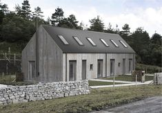 HOUSE - Rural Design Architects - Isle of Skye and the Highlands and Islands of Scotland Shed Homes, Prefab Homes, Modern Barn, Modern Farmhouse, Architecture Details, Modern Architecture, Casas Containers, Long House, Small Buildings