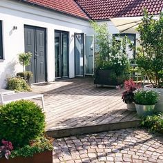 "Nice visit to the garden and my contribution of contest ""Rolling Forest"" – Arkitektens … Outdoor Spaces, Outdoor Living, Outdoor Decor, Dream Garden, Home And Garden, Balcony Garden, Garden Inspiration, Exterior Design, Outdoor Gardens"