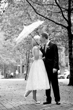 Vintage wedding parasol, might have my bridesmaids carry these instead of bouquets?