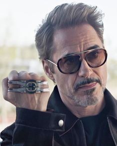 Who Love this man in realife and in movie? Hero Marvel, Marvel Avengers, Marvel Characters, Marvel Movies, Rober Downey Jr, Iron Man Art, Iron Man Avengers, Super Anime, Ironman