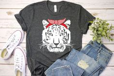 Head Bandana, Pumpkin Outline, Tiger Crafts, Tiger Shirt, Wild Tiger, Tiger Head, Free Svg Cut Files, Diy Shirt, Svg Cuts