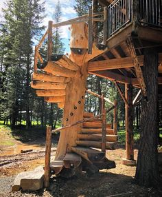 One of the best staircases I've seen by John Callander of Treeworks @mttreehouseretreat #treehouseclub