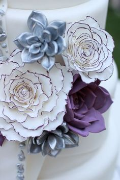 love the mixture of metallics, solid matt colours and coloured petal tips