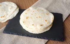 Tortillas mexicanas de maíz Homemade Tortillas, Corn Tortillas, Tortillas Mexicanas, Vegan Recepies, Feta, Galette, Sin Gluten, Gluten Free, How To Make Bread