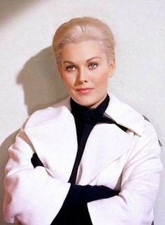 Kim Novak on Pinterest | Vertigo, Alfred Hitchcock and Actresses