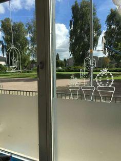 Window decoration for the classroom - Made by Miss Ellen! Window decoration for classroom, window decoration classroom, window drawing cl - Home Teaching, Art Deco Door, Art Deco Lamps, Art Deco Buildings, Chalk Drawings, Chalk Markers, Art Deco Furniture, Window Art, Industrial Loft