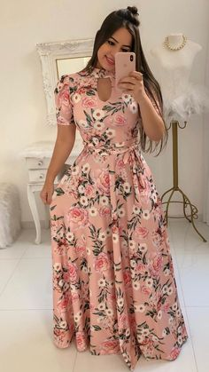 The Bambi dress is a boho-chic dream with a v-neckline, short flow sleeves that's perfect for summer. The A-line maxi dress is the ultimate piece for Sunday brunch with the girls. Elegant Dresses For Women, Cute Dresses, Maxi Dresses, Trend Fashion, Fashion Outfits, Long Gown Dress, Wrap Dress, Floral Maxi Dress, Dress Flower