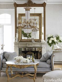 Pretty French daybed in front of fireplace. Interior design by Annie Brahler Home Design, Design Ideas, Design Design, Design Room, Layout Design, Design Projects, Beautiful Interiors, Beautiful Homes, House Beautiful