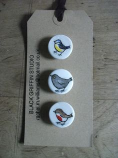 handpainted bone china buttons  *garden birds*