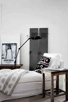 6 Vintage Industrial Family Home Interior Design Ideas Interior Design Inspiration, Decor Interior Design, Design Ideas, Interior Decorating, Layout Inspiration, Design Trends, Industrial Bedroom Design, Industrial Living, Industrial Style