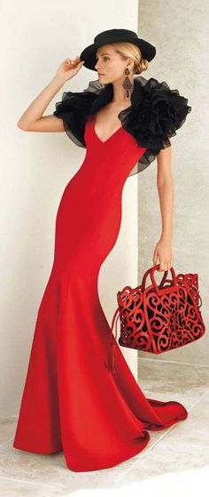Lady in red. Valentina Zelyaeva for Ralph Lauren Red Fashion, High Fashion, Womens Fashion, Fashion Brands, Color Fashion, Classic Fashion, Glamour, Ralph Lauren Collection, Mode Style