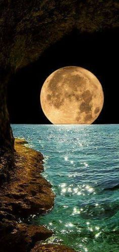 """"""" The night walked down the sky with the moon in her hand."""" ~ Frederic Lawrence Knowles search/pins/?q= #beautiful #landscape 7/1 LOve it, like/ repin/ follw @cutephonecases"""