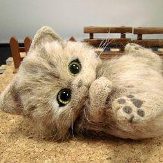 Cute Needle felting project wool cute animals cat pet (Via @bouji01)