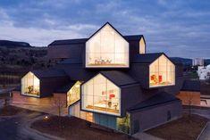 Herzog & de Meuron stacked house http://www.coolhunting.com/design/herzog-de-meuro.php