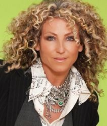 Lorraine Massey.. The Queen of curlies