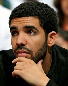 Rapper Drake (born Aubrey Graham) is from Canada and has a Jewish mother. Old Drake, Drake Ovo, Girl Power Songs, Drake Clothing, Best Rap Songs, Drake Drizzy, Drake Graham, Aubrey Drake, Rihanna Fenty