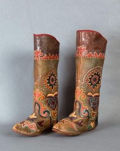 Pair of leather boots colorful pattern with flowers and arabesques. Russian traditional work. Time: Nicolas II (1894-1918)