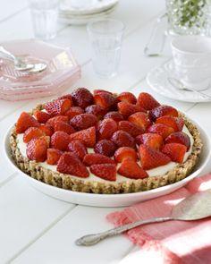 Strawberries & Cream Breakfast Tart