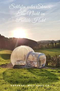 Sleep under the stars: an overnight stay at the Bubble Hotel in Thurgau, Switzerland. Source by lind Traveling With Baby, Traveling By Yourself, Travel Around The World, Around The Worlds, Bubble Tent, Reisen In Europa, Sleeping Under The Stars, Great Hotel, Nightlife Travel