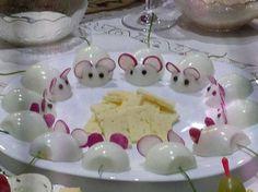 Voici 14 adorables façons d'apprêter les oeufs dans vos plats froids, ou dans les buffets de fêtes! - Cuisine - Des trucs et des astuces pour vous faciliter la vie dans la cuisine - Trucs et Bricolages - Fallait y penser !