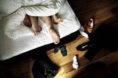 Hvis du kommer for tæt på din partner, kan det blive sværere at tænde på ham eller hende. Bl.a. derfor søger flere og flere erotisk spænding uden for parforholdet. Den udvikling har fået fagfolk over hele verden til at ændre praksis. De er især inspireret af en belgisk-født sexterapeut.