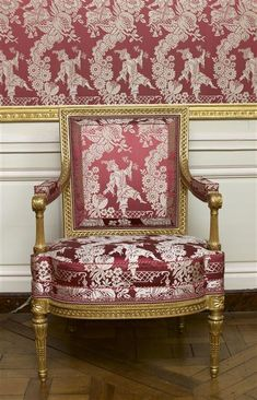 The visit of the Petit Trianon: The Louis XV room - Page 2 - The visit of the Petit Trianon: The Louis XV room – Page 2 - Furniture, Traditional Decor, Beautiful Furniture, Century Furniture, Living Room Decor Traditional, Chair, Modern Traditional Decor, Dining Chairs, Upholstered Chairs