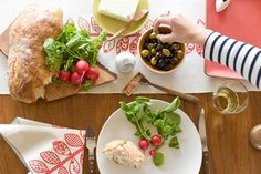 anna joyce table linens