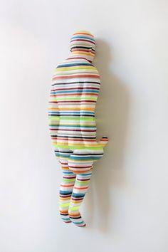 Colorful-striped-sculptures-Kyotaro-Hakamata-artists-I-Lobo-you4 Colorful-striped-sculptures-Kyotaro-Hakamata-artists-I-Lobo-you4