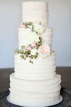 18 Spectacular Buttercream Wedding Cakes ❤ See more: http://www.weddingforward.com/buttercream-wedding-cakes/