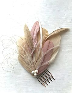 (*^_^*) Martha Stewart gifts Oh Lucy Handmade LANE Peacock Feather Fascinator with Pearl, Feather Hair Comb, Bridal Hair Piece in Champagne, Dusty Rose, and Ivory