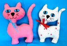Gatos feltro/tecido.