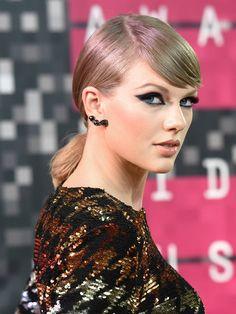 ELLE】VMAでもやっぱり主役! テイラー・スウィフトのドラマティック ... テイラー・スウィフト(Taylor Swift)「MTVビデオ・ミュージック・アワード」メイク