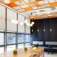 was chosen for the Hubspot for its flexibility, as it offers both TeeGrid and Mesh design options depending on aesthetic wishes. Copper Ceiling, Best Workplace, Great Place To Work, Flexible Working, Construction Types, Plan Design, Ceiling Design, Working Area, Home Projects