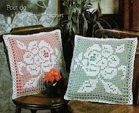 """Rose pillow, filet work with diagram - click on """"grafico"""" to view the diagram."""