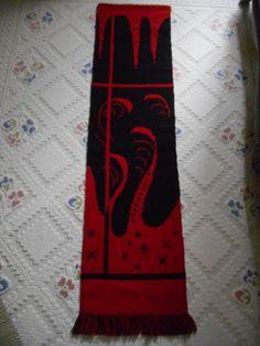 Design puna musta kapea täkänä ostettavissa hintaan 8 € paikkakunnalla KARSTULA. Osta heti tästä! Alexander Mcqueen Scarf, Design, Fashion, Moda, Fashion Styles, Fashion Illustrations