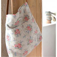Cath Kidston Messenger Bag - Pinny Flowers