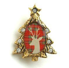 New John Wind Maximal Art Christmas Tree Reindeer Pin Jewelry