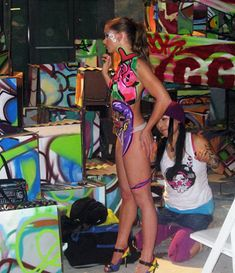 #3dgraffiti #glowinthedarkgraffiti #bodyart #graffiti #bodypainting #graffitigirls #graffitiongirls #hotgirls #sexybodyart #streetartgirls