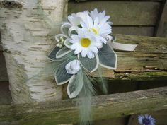 Flower Corsage White Daisy Weddings Proms and Events by RoseandPin, £7.50  This is what I make