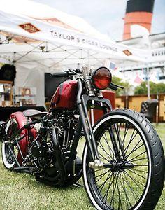 Very, very nice. Vintage Bikes, Vintage Motorcycles, Harley Davidson Motorcycles, Cars And Motorcycles, Bobber Motorcycle, Bobber Chopper, Custom Bobber, Custom Bikes, Retro Bike